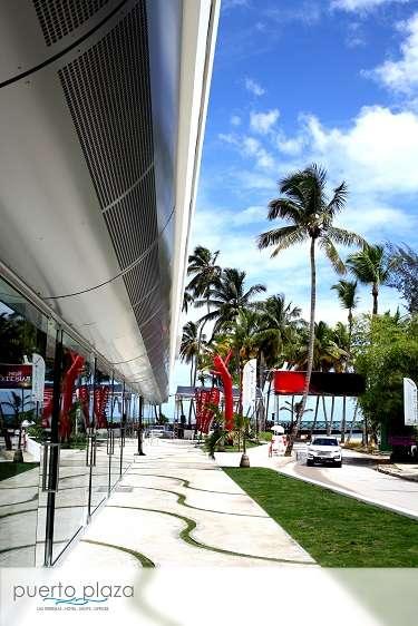 Puerto plaza hotel & shops