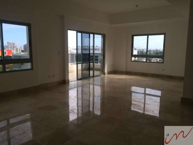 Alquiler apartamento en piantini 183 mts 3 habitaciones 2.5 baños torre con piscina, gym.