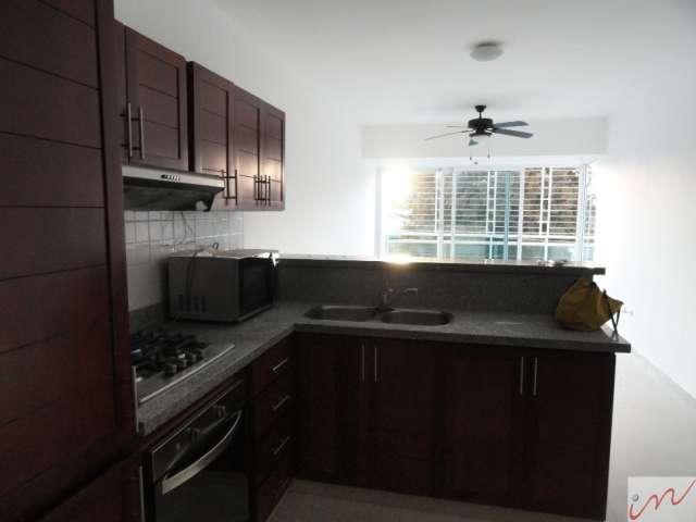 Hermoso apartamento en gazcue con excelente vista y linea blanca de calidad