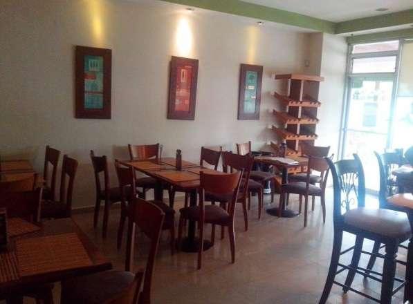 Restaurante en zona céntrica del distrito nacional en importante plaza comercia