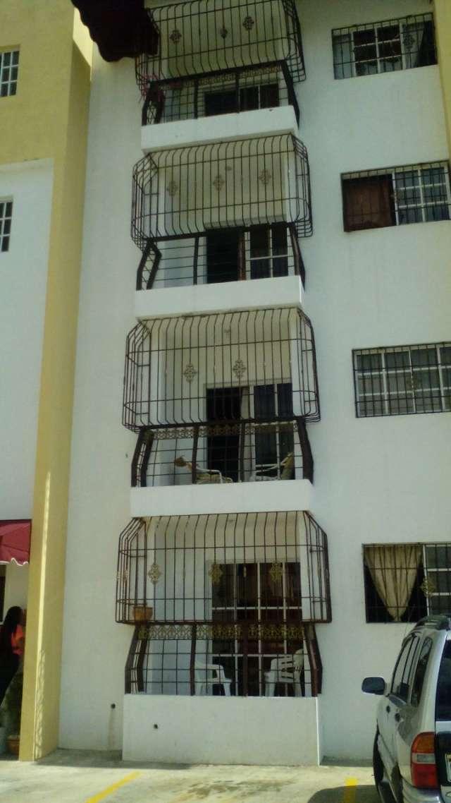 Venta de dos apartamentos en la prolongación 27 de febrero rd$ 2.6 y 2.8 millones.
