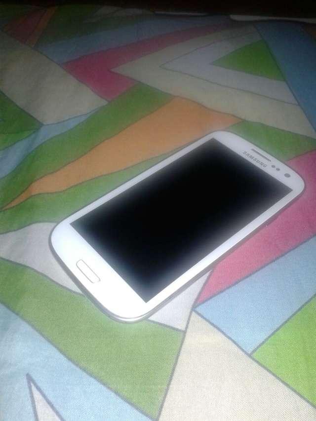Samsung galaxy s3 7000