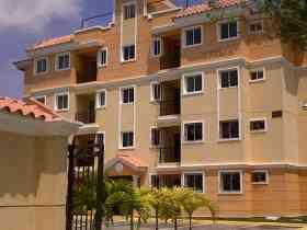 Alquilo apartamento en el residencial jardines dorado iii