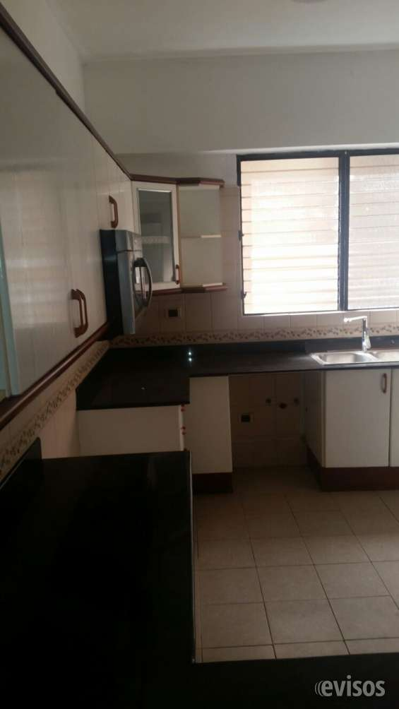 Alquilo hermoso y amplio  apartamento, 4to.   piso, piantini próximo a acrópolis center,   blue mall. 224 mtrs2
