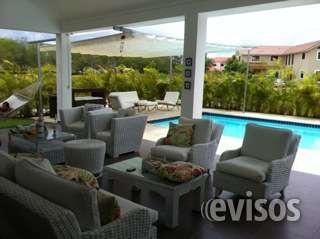 Hermosa y confortable casa de dos niveles