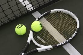 Buscamos un entrenador (-a) o jugador (-a) de tenis