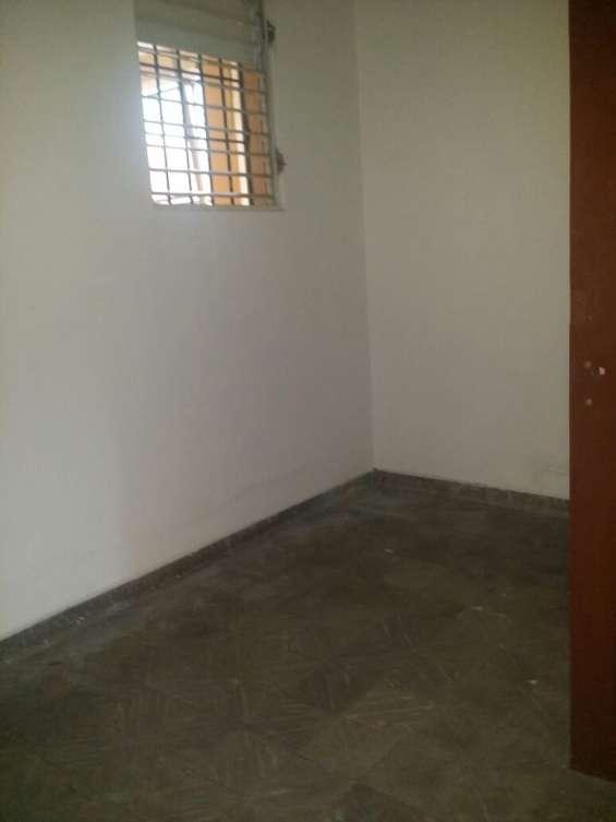 Se alquila apartamento en la zona de gascue