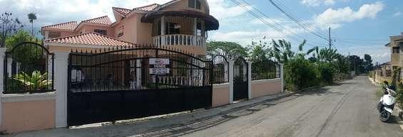 Casa de venta en zona residencial en jarabacoa (rmc-149)