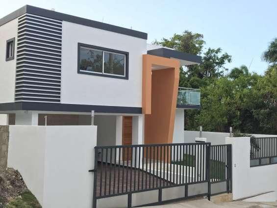 Hermosa casa moderna de 3 habitaciones